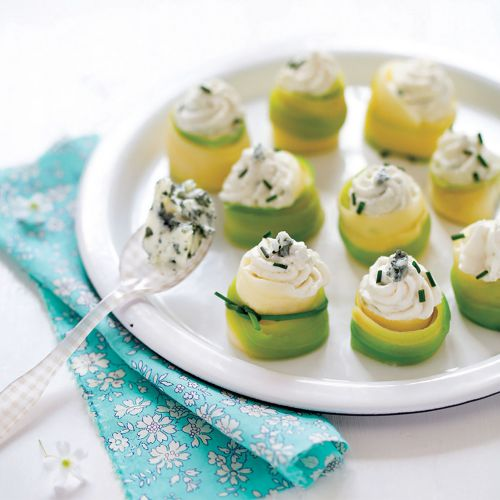Nid de courgettes et chantilly au roquefort
